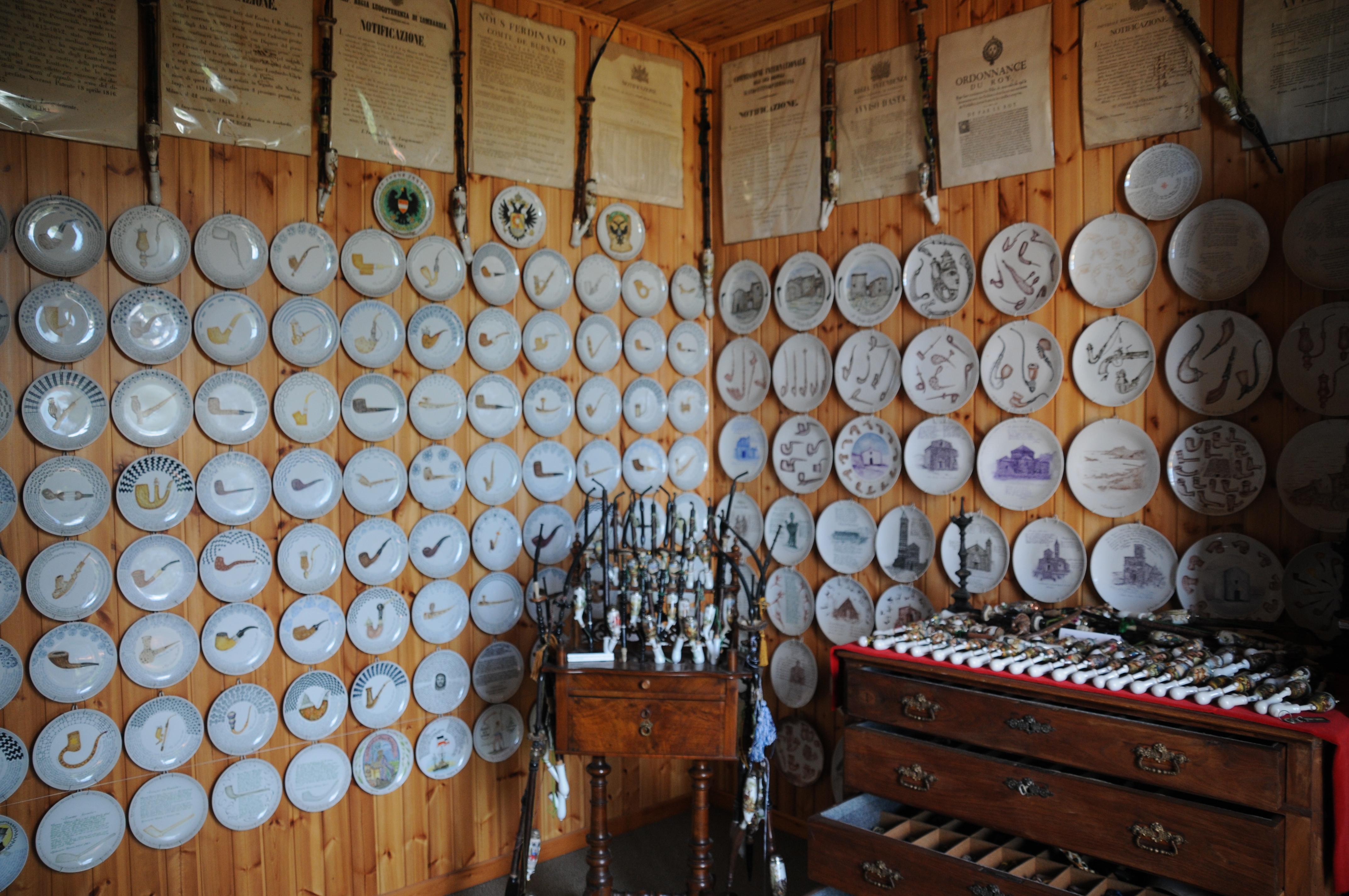 Sala piatti e ceramiche
